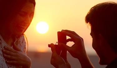 Heiratsantrag am Strand: romantisch und gefühlvoll