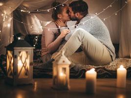 Heiratsantrag zuhause verloben
