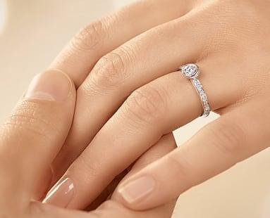 Verlobungsringe Mit Diamant Oder Farbedelstein Ab 129