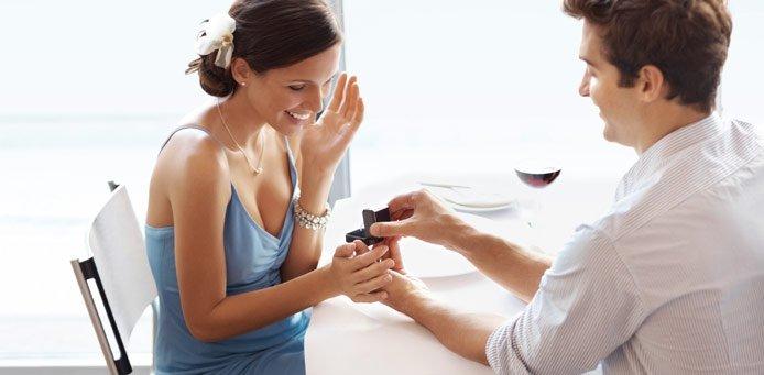 Tipps zur Verlobung – glückliches Paar