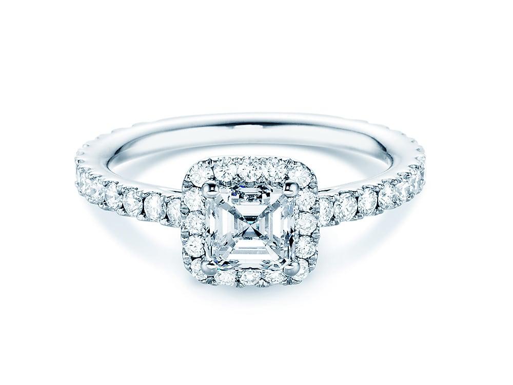 verlobungsring flowing romance in 18 karat wei gold 750 mit diamant 1 75 karat. Black Bedroom Furniture Sets. Home Design Ideas