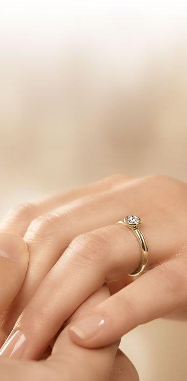Hochwertige Diamantringe aus Gold und Gelbgold für die perfekte Verlobung
