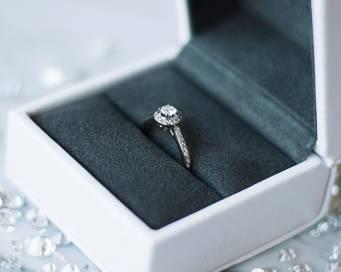Diamantringe handgefertigt in hochwertiger Verpackung online kaufen